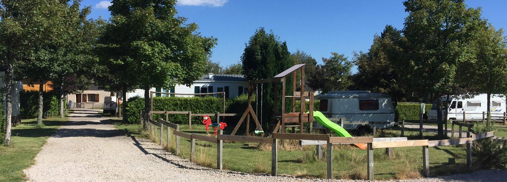 vue aire de jeux +camping